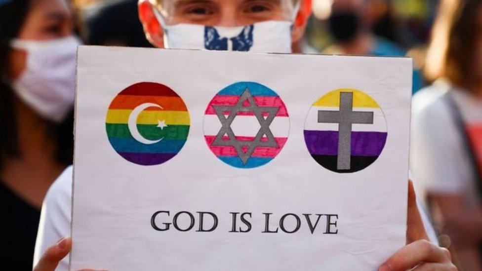 Homoseksual selalu menjadi masalah kontroversial dalam Gereja Katolik.