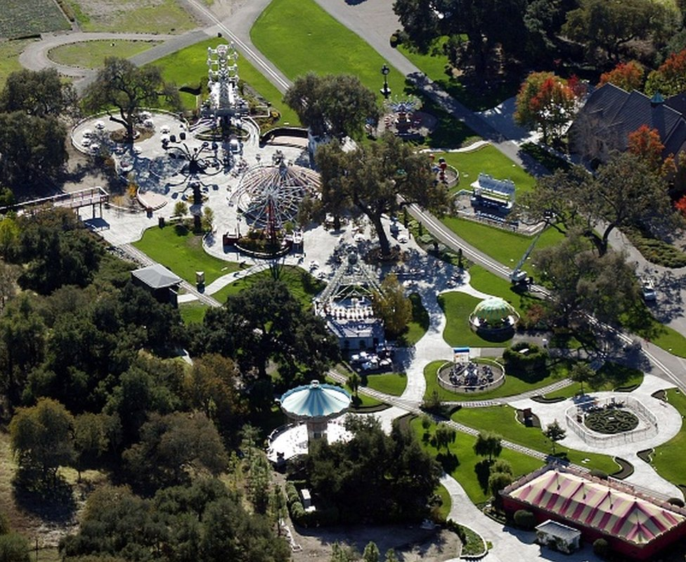 Michael Jackson: Neverland Ranch 'sold to billionaire for $22m' thumbnail