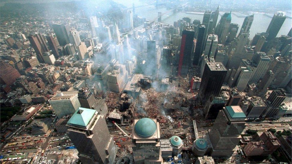 鳥瞰紐約世貿大廈廢墟