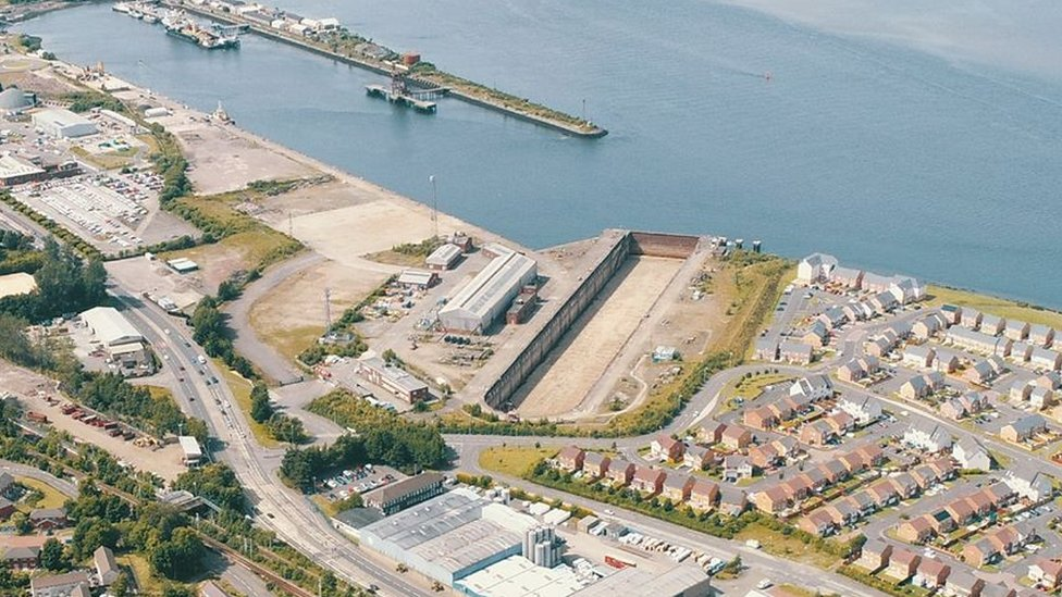 Call for industrial strategy to 'save' crumbling Clyde docks