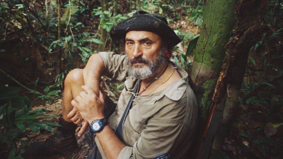 Sydney Possuelo Brezilya'da yerli yaşamının önde gelen uzmanlarından.