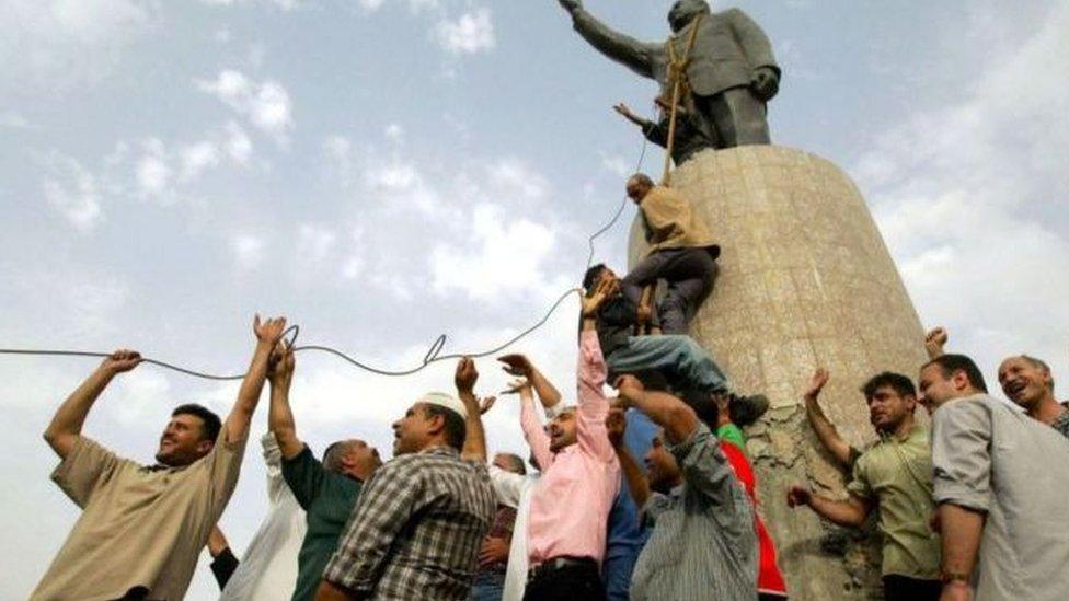 إزالة تمثال صدام حسين