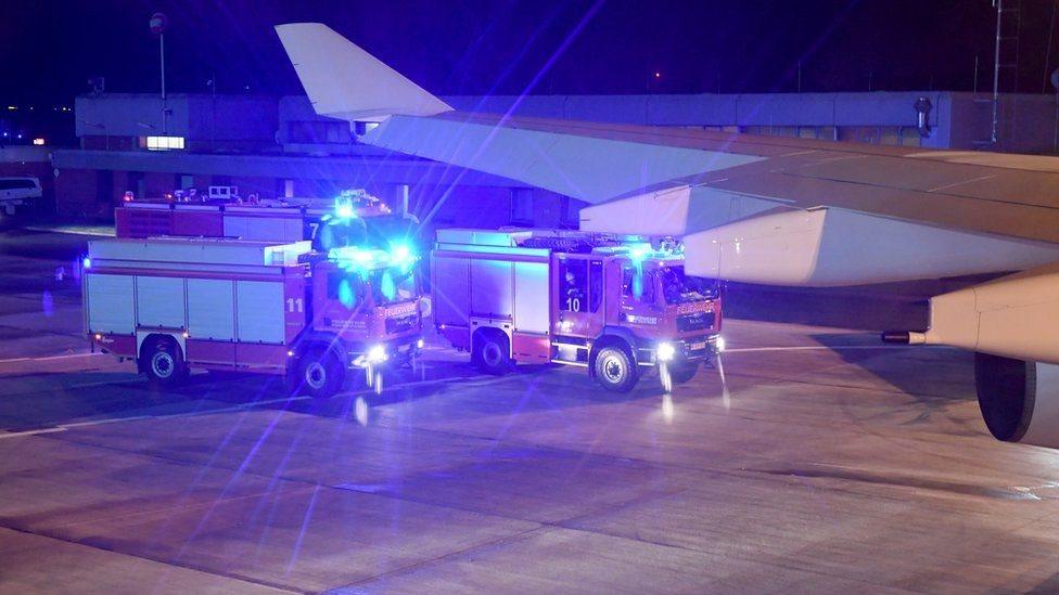 Літак Меркель здійснив екстрену посадку в Кельні незабаром після злету