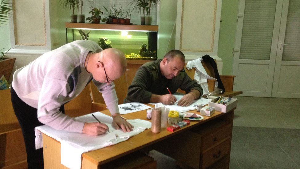 A Palm of an Angel class which organises therapy through art classes for former servicemen