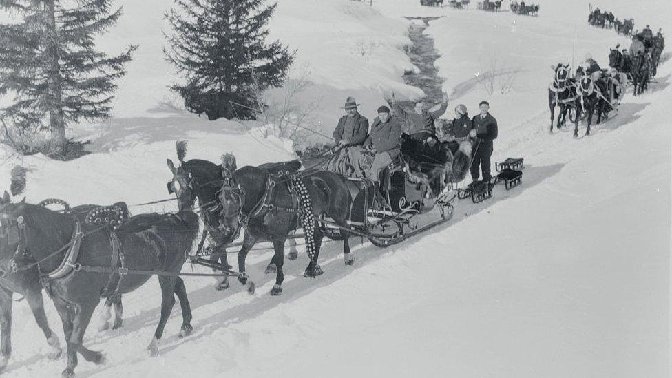 Carruajes se dirigen a Davos