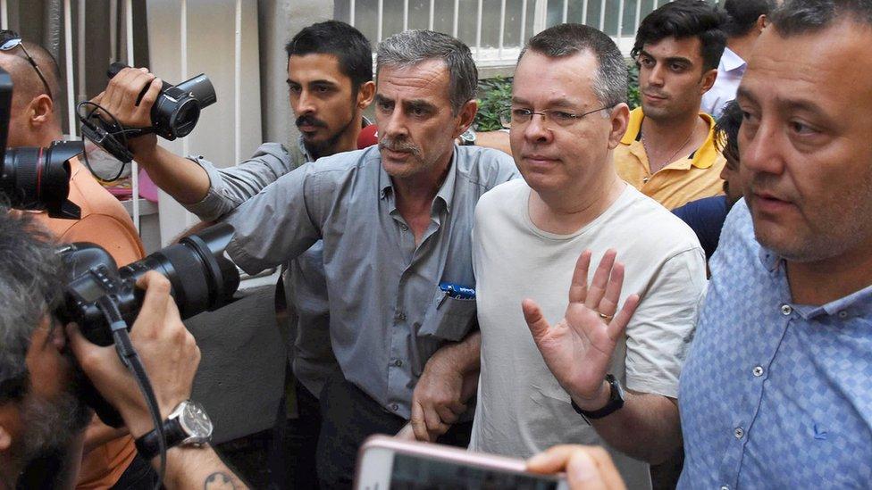 Туреччина відпустила пастора Брансона: кінець торговій війні зі США?