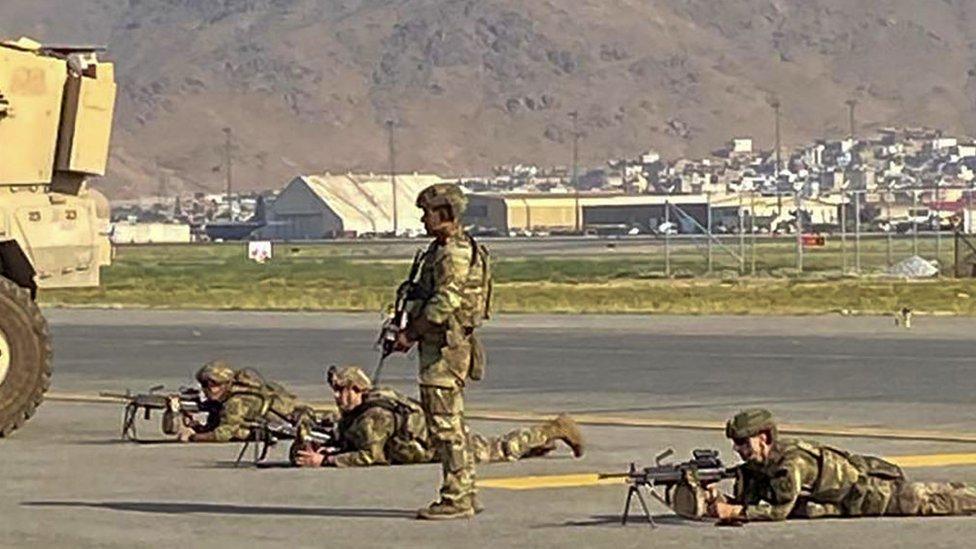 američki vojnici na aerodromu u Kabulu