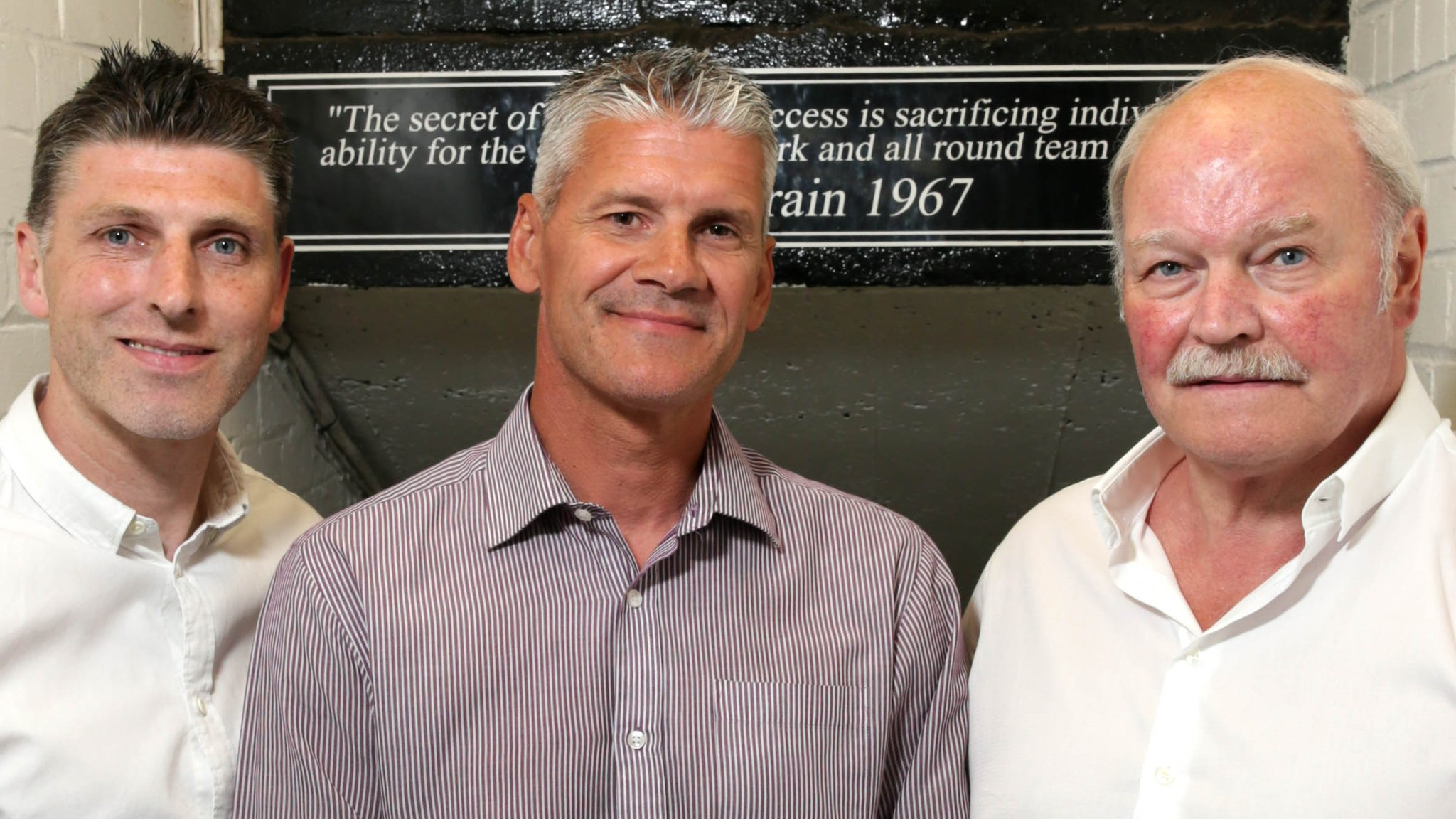 McFall to remain Glentoran manager as Smyth and Leeman join coaching team