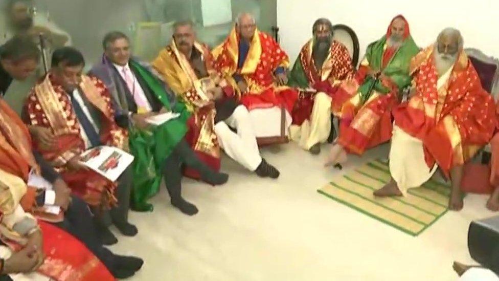 महंत नृत्य गोपाल दास बने राम मंदिर ट्रस्ट के अध्यक्ष, चंपत राय बने सचिव