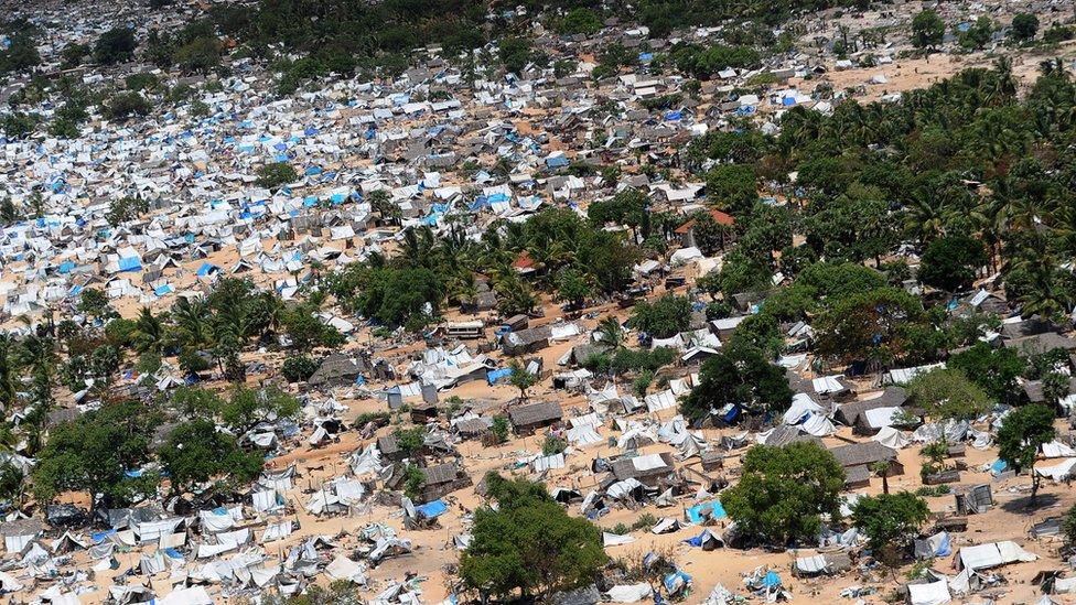 Kawasan konflik yang ditinggalkan penduduknya 23 May, 2009.