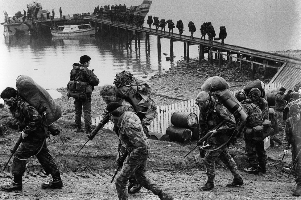 British soldiers arriving on the Falklands