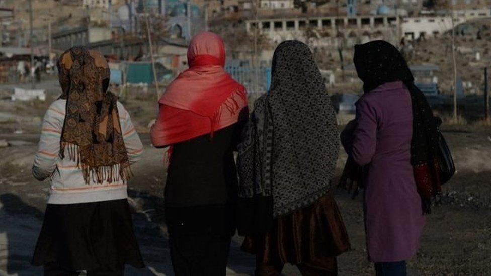 'अफ़ग़ान सरकार की नाक के नीचे हर आदमी करना चाहता है सेक्स': Ground Report