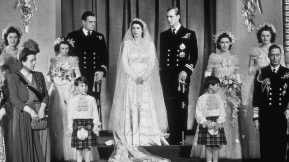 صورة جماعية من حفل وفاف الأميرة إليزابيث الثانية والأمير فيليب