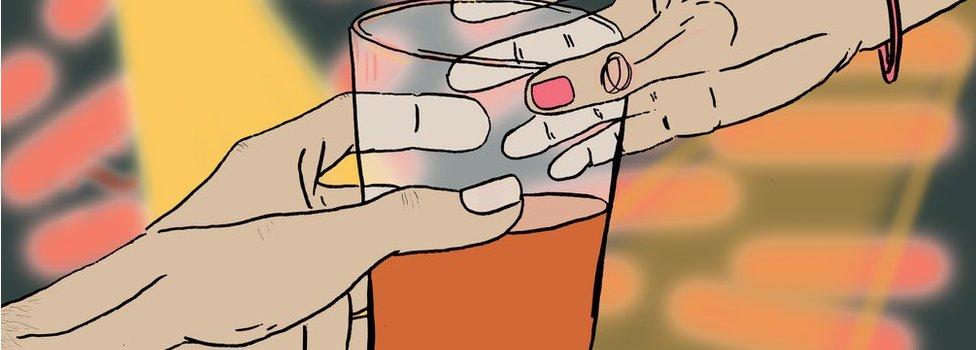 Ilustración de una mujer recibiendo una bebida