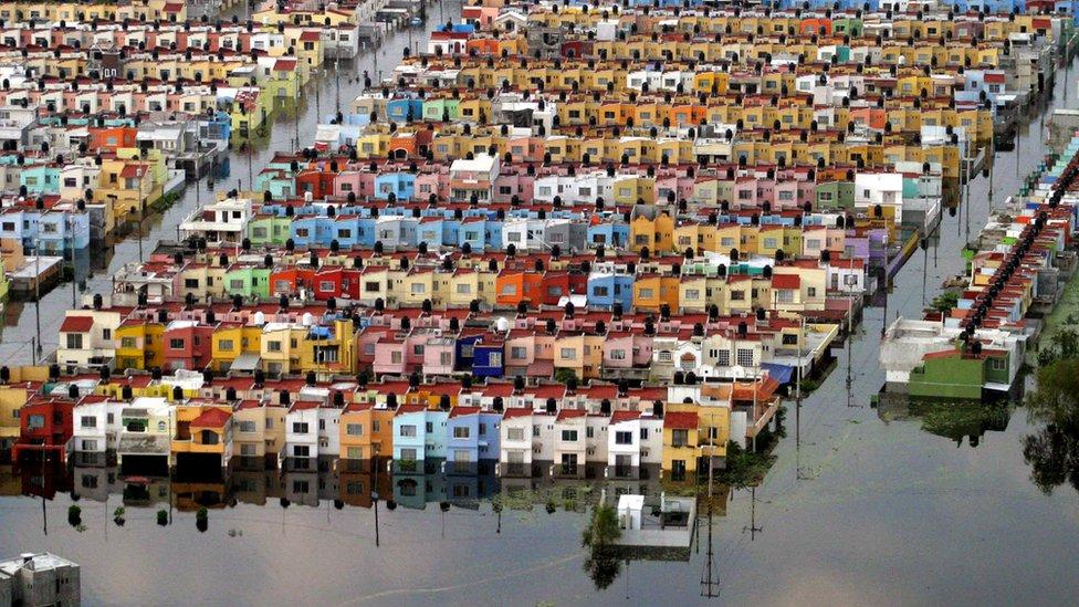 Una inundación en un barrio de Tabasco
