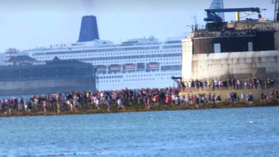 Girls 'nearly drowned' during Bembridge sea fort walk