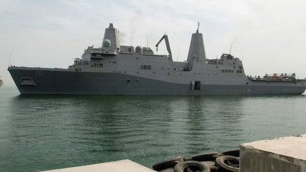 توجد قاعدة بحرية للأسطول الخامس الأمريكي في البحرين، وتعرف بميناء سلمان. كما يجري إنشاء قاعدة بريطانية دائمة بالقرب منها