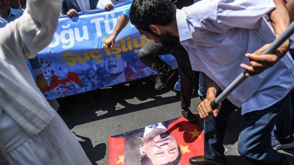 Türkiye'de yaşayan Uygurlar,ın protestosu