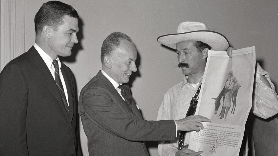 Alberto Lleras y Juan Valdez