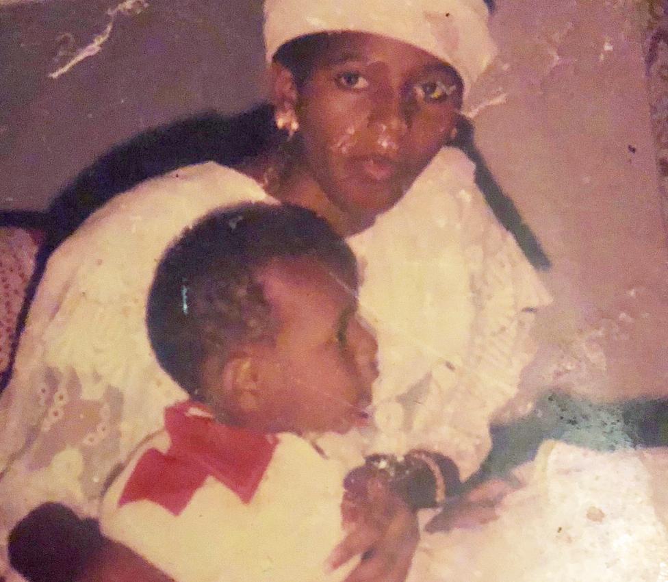 لم تكن والدة صموئيل المطلقة تعلم بأمر اختفاء ابنها في بداية الأمر