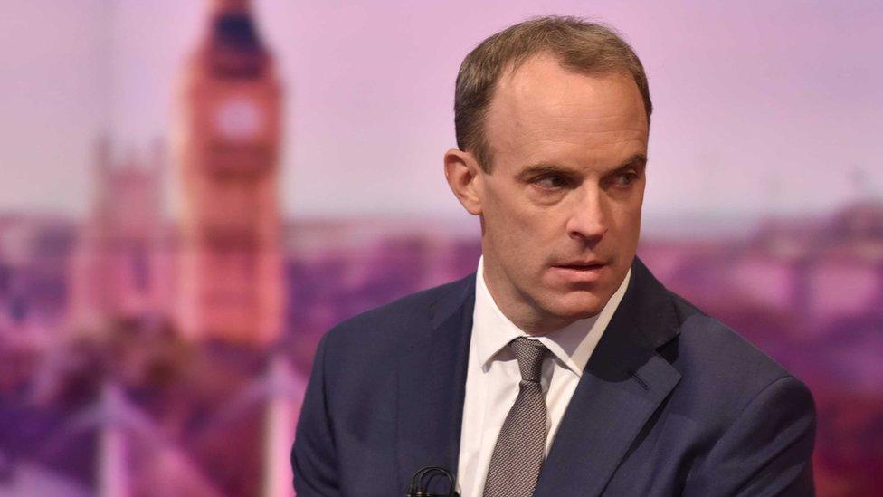 英國外交大臣多米尼克·拉布在BBC倫敦新廣播大廈出席直播節目(資料圖片)
