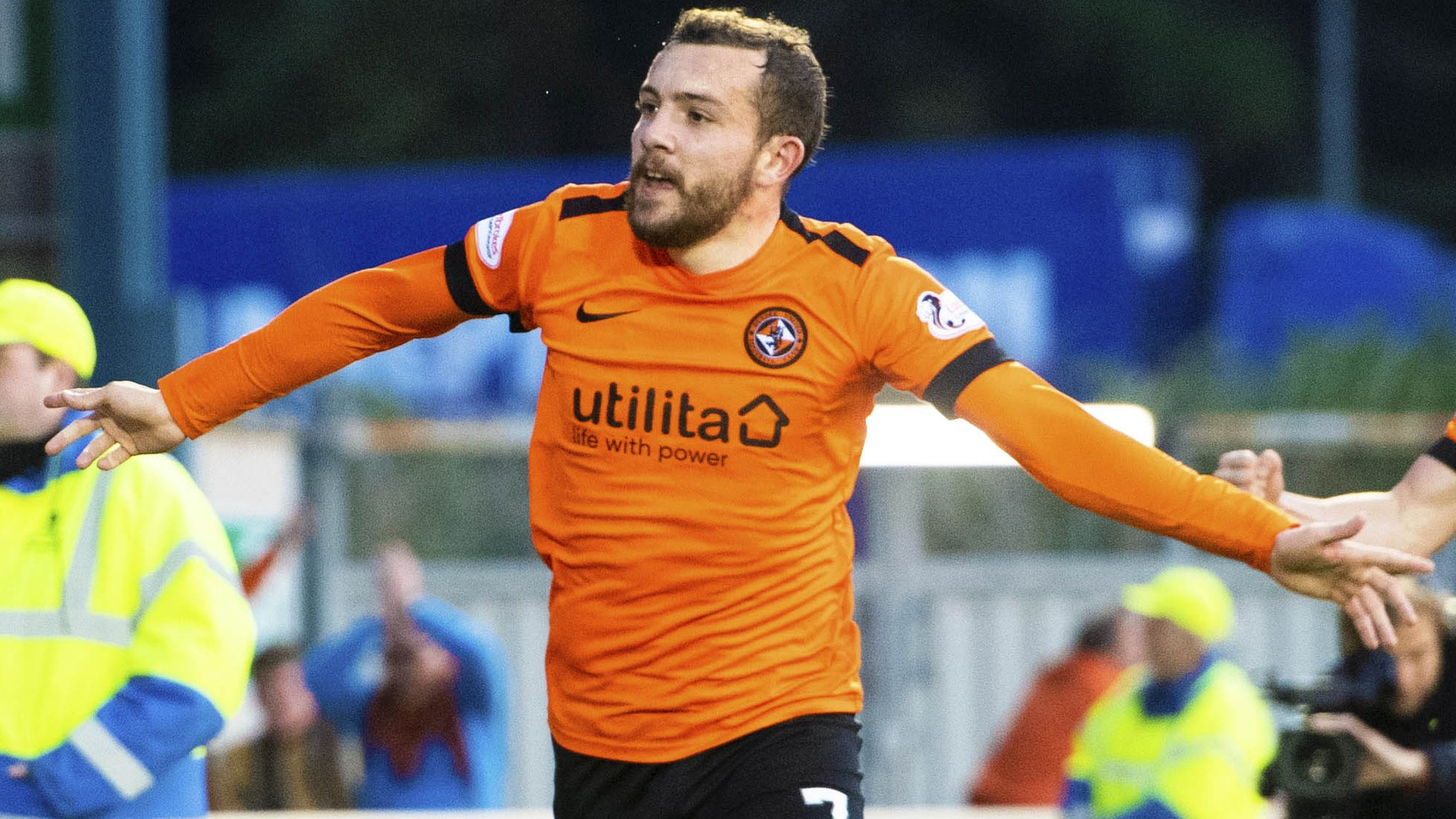 Inverness CT 0-1 Dundee United: McMullan scores and Polworth sent off in first leg