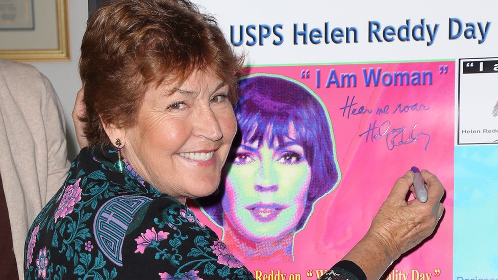 Helen Reddy: Australian singer of feminist anthem I Am Woman dies thumbnail