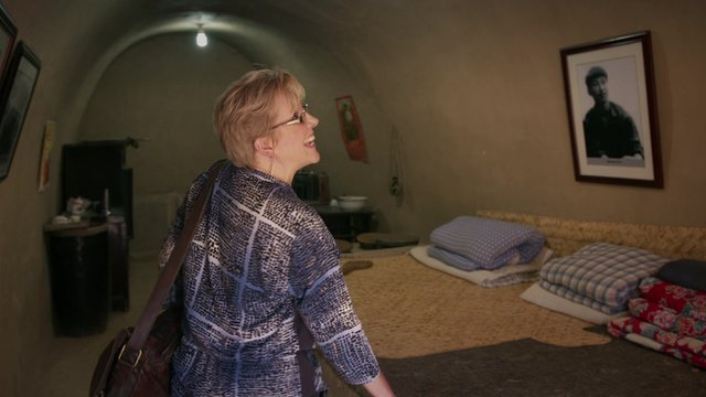 Carrie Gracie visited the cave that was once home to President Xi