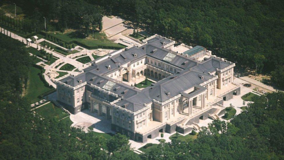 """El """"palacio"""" de 7.800 hectáreas está ubicado en la ciudad turística de Gelendzhik, a orillas del Mar Negro."""