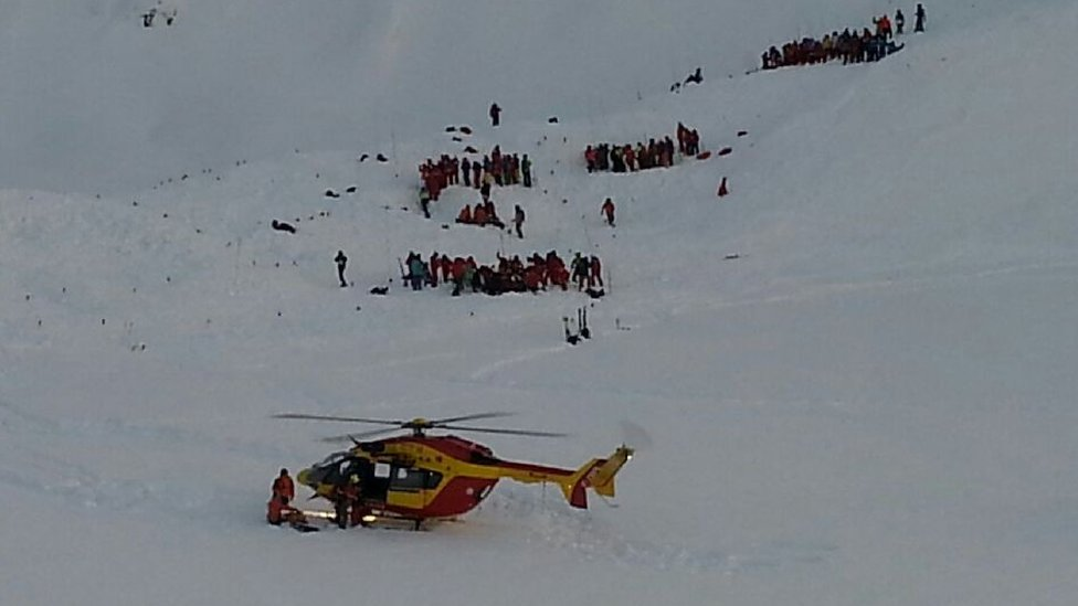 Alps avalanche hits French school ski party from Lyon