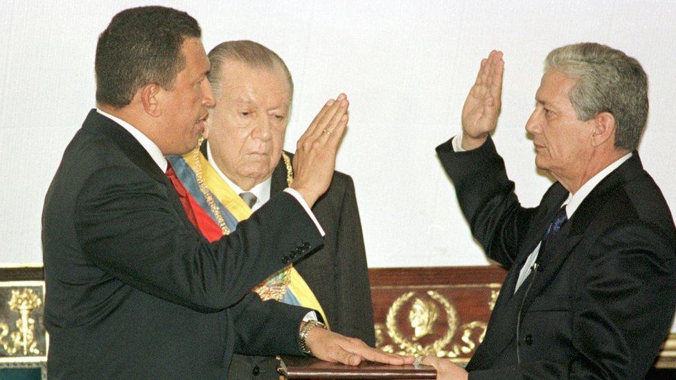 Chávez.
