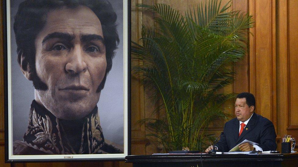 Chávez y la figura nueva de Bolívar.