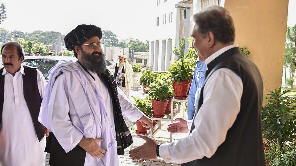 جاءت صفقة التبادل بعد أيام من حضور الملا بارادار، القيادي البارز في طالبان، محادثات في باكستان