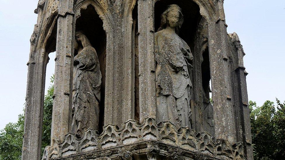 Northampton's 'crumbling' Eleanor Cross repairs delayed