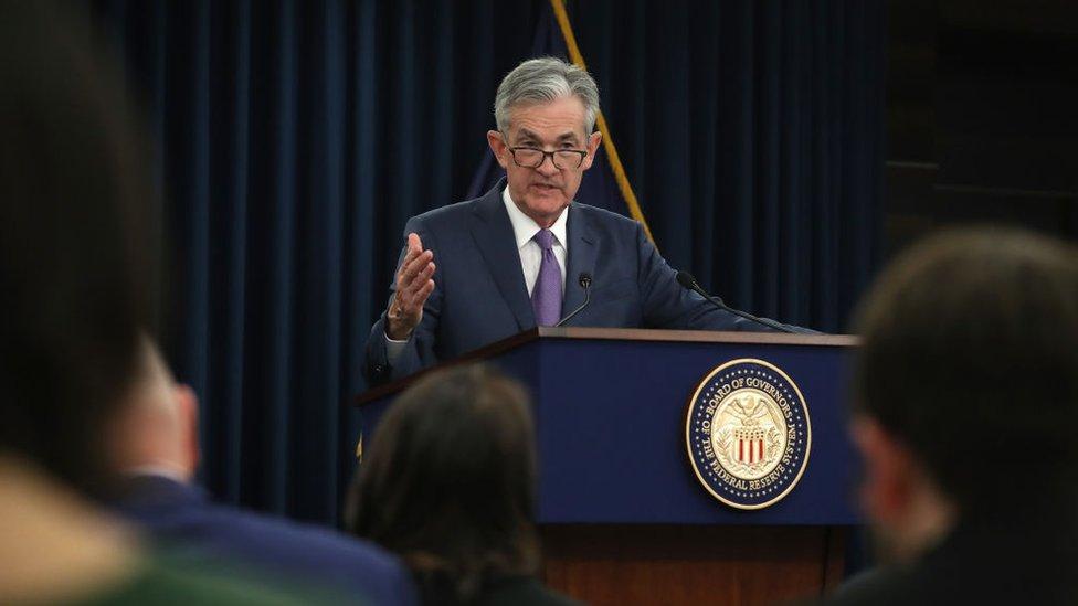 美聯儲主席鮑威爾在新聞發佈會上。