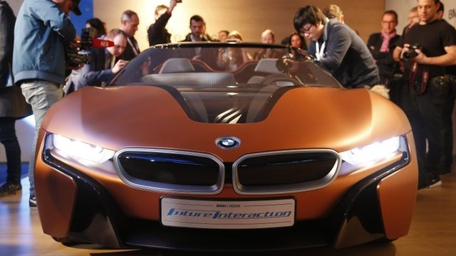 VIDEO: BMW shows gesture-controlled car