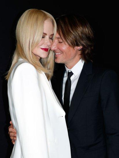 Nicole Kidman y Keith Urban en un acto de Armani
