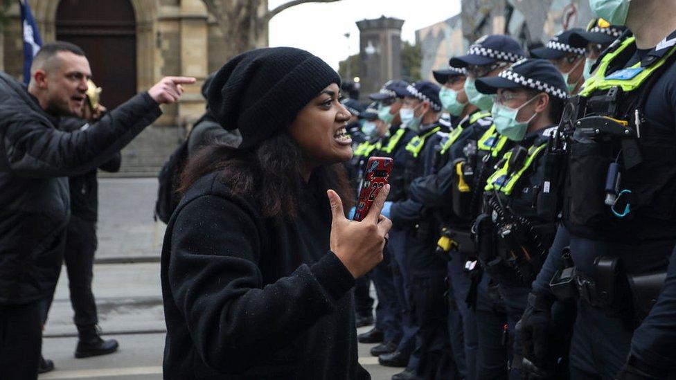 Manifestante en Melbourne.