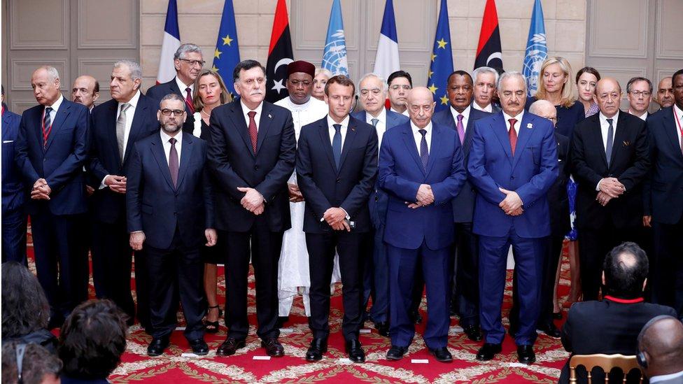 المشاركون في اجتماع باريس