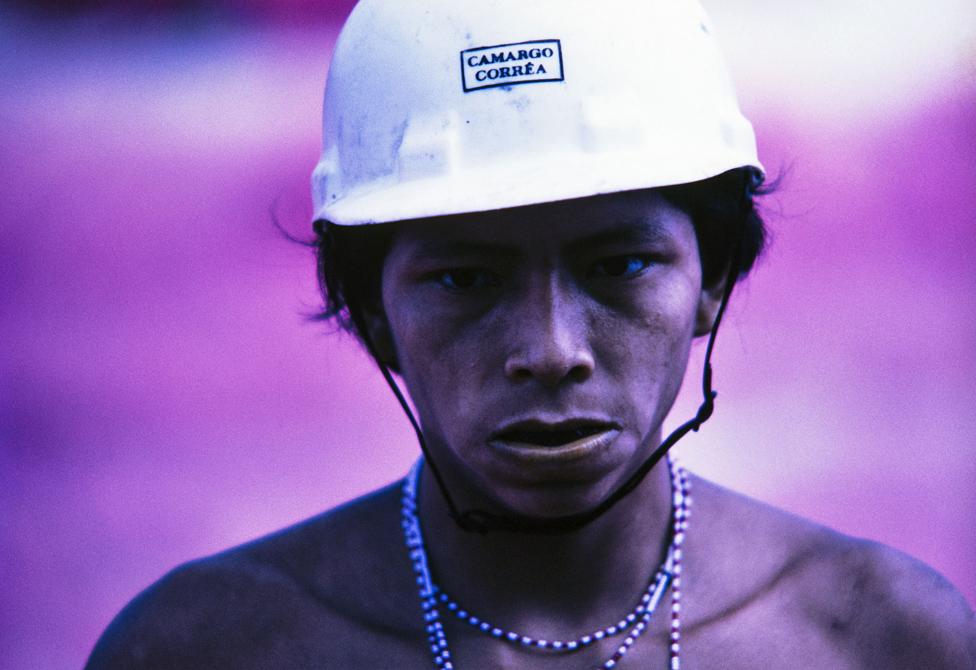 Neki pripadnici ovog plemena radili su na izgradnji autoputa u Katrimaniju. Fotografija nastala 1975.