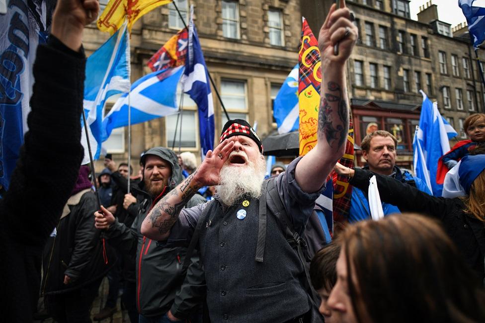 Independence supporter in Edinburgh