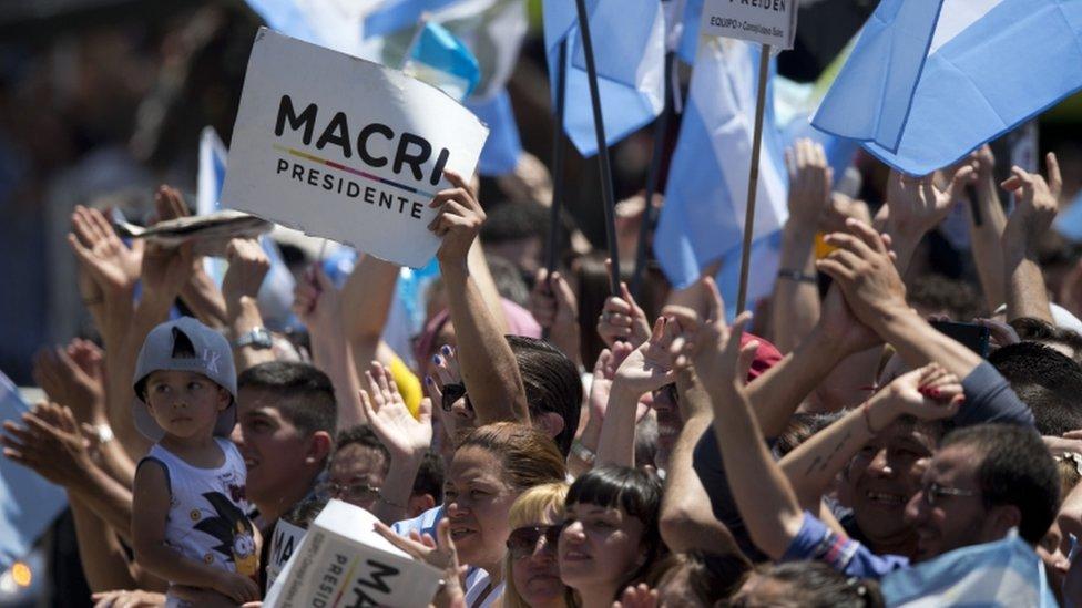 Posters of Mauricio Macri, 10 Dec