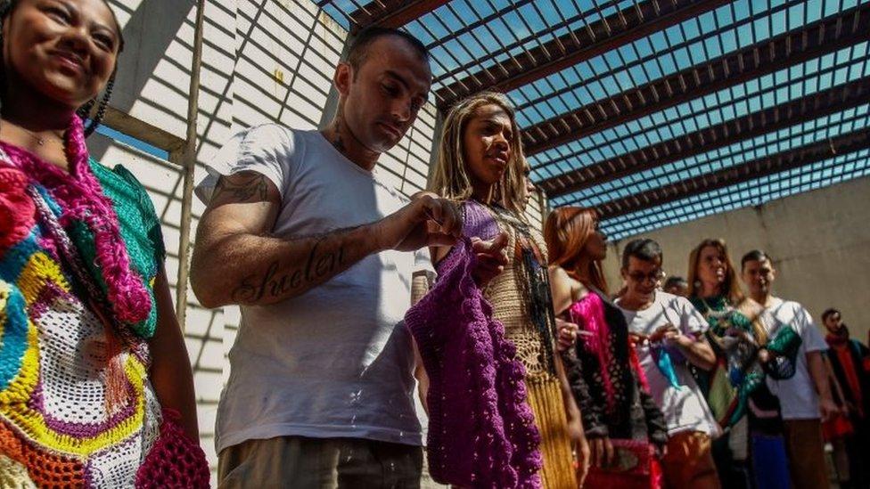 عرض أزياء في سجن شديد الحراسة في البرازيل.