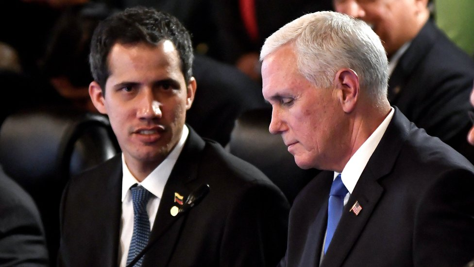 Juan Guaidó y Mike Pence