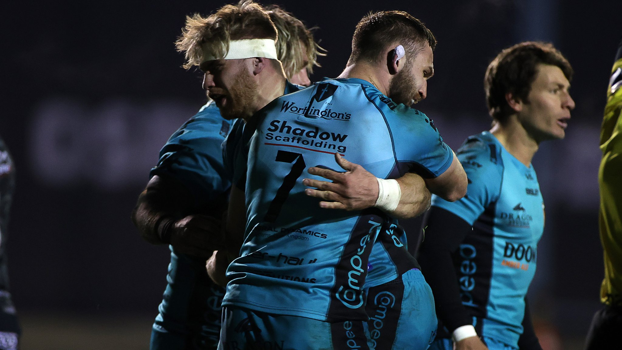 117479243 ospreys v dragons 20
