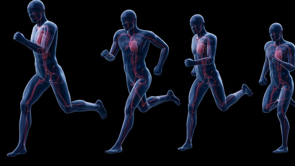Grafico de varios hombres corriendo