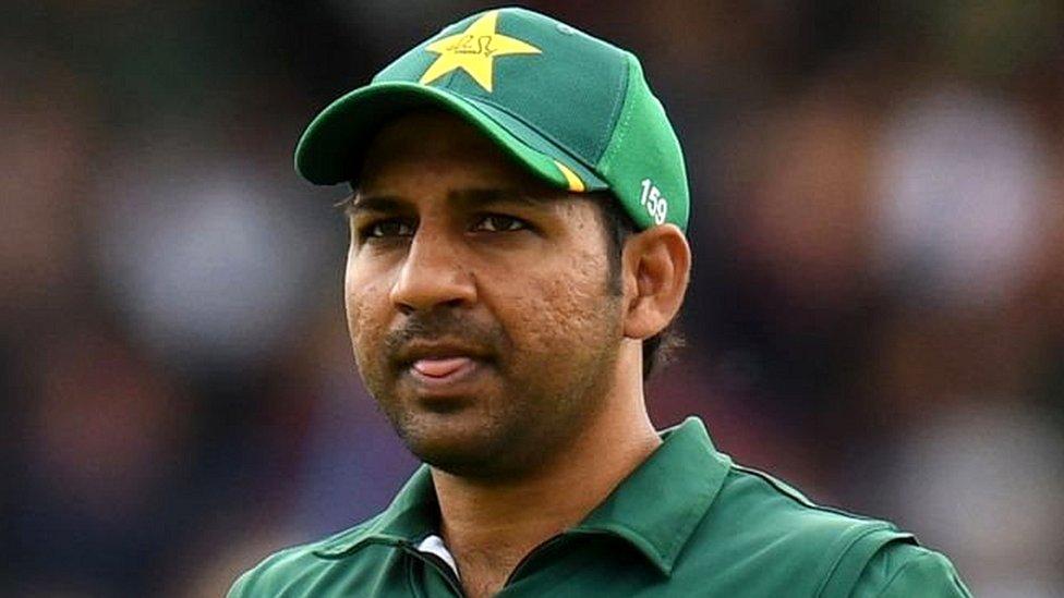 पाकिस्तान को चैंपियंस ट्रॉफ़ी दिलाने वाले कप्तान सरफ़राज़ अहमद की छुट्टी, टीम से भी बाहर