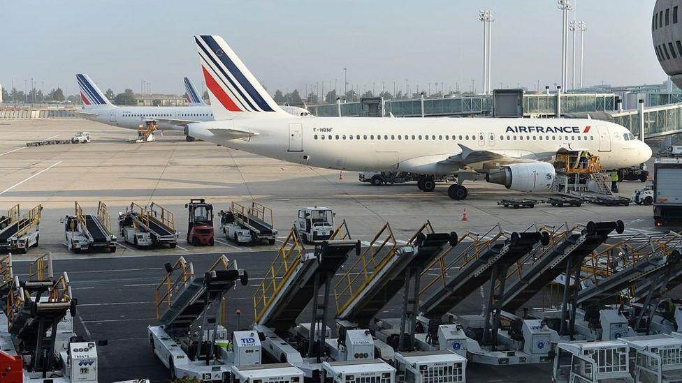 ألغت الخطوط الجوية الفرنسية رحلاتها بين باريس وموسكو يومي الخميس والجمعة