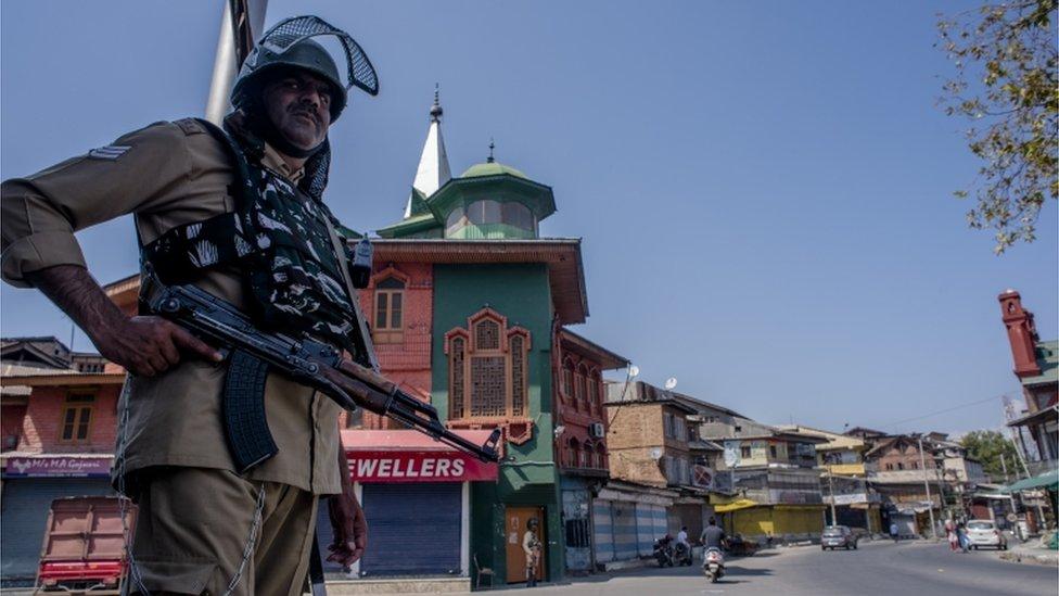 पाकिस्तान प्रशासित कश्मीर पर क़ब्ज़े का सपना कितना हक़ीक़त?