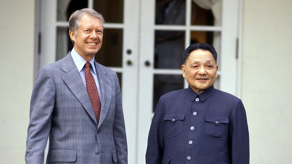 Jimmy Carter (izq.) y Deng Xiaoping, en Washington.